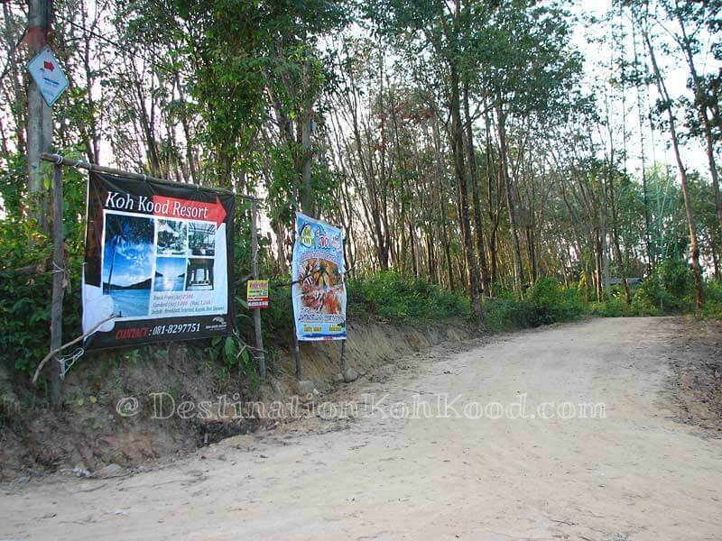 Forest exit to Koh Kood Resort, The Beach Natural Resort and To The Sea Resort - Bang Bao Bay