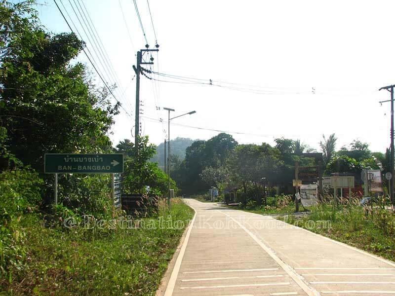 Concrete exit at Bang Bao intersection - Bang Bao Bay