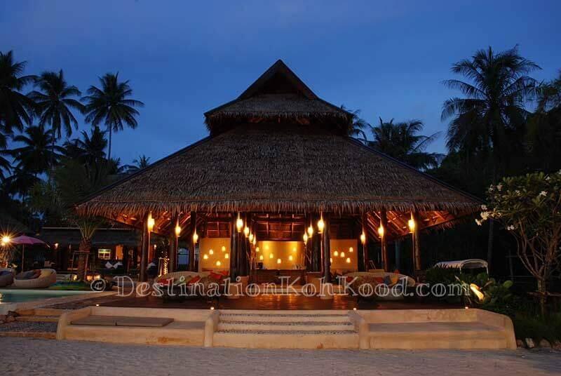 Lobby - Tinkerbell Resort