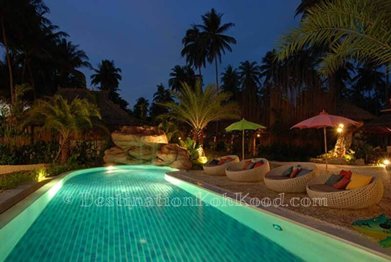 Swimming pool @ night - Tinkerbell Resort