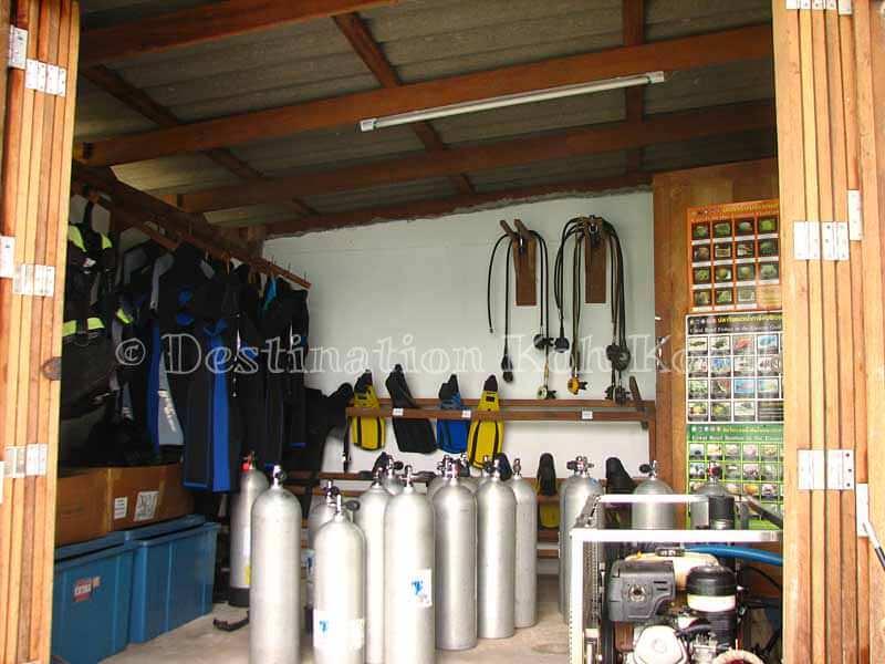Shop in Bang Bao Bay - Koh Kood Divers