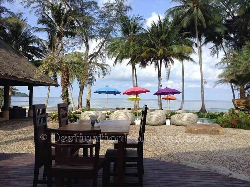Pool Bar - Tinkerbell Resort