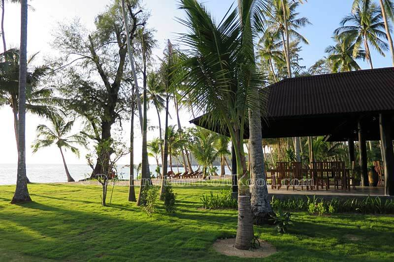 Seaview Restaurant - Medee Resort