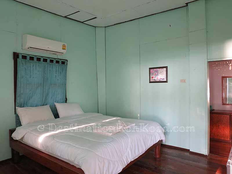 Room A with Double Bed - Koh Kood Cabana