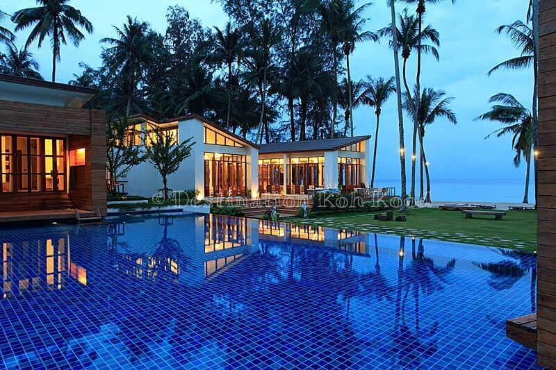 12_wendy-the-pool-resort