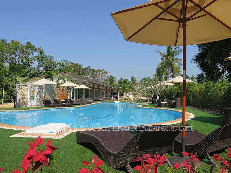 Pool Area - A-Na-Lay Laem Sok