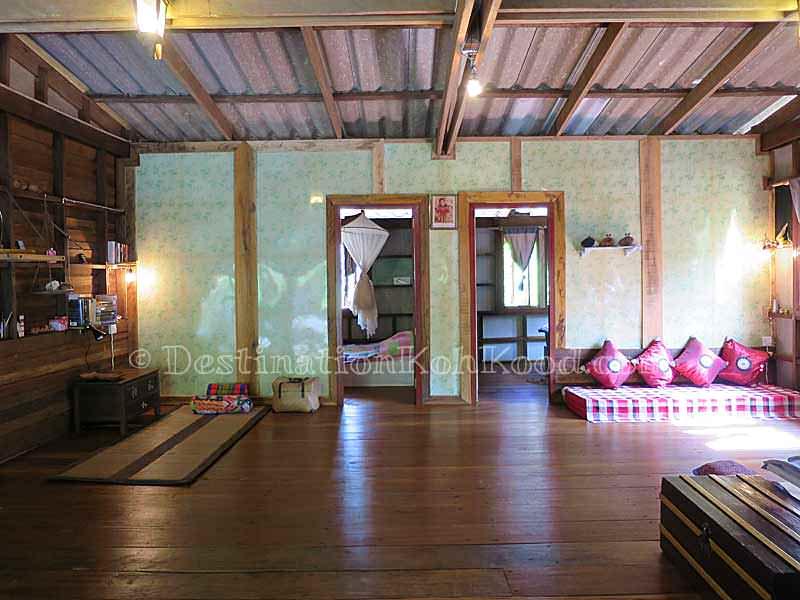 Interior - Gumm Lonely Club