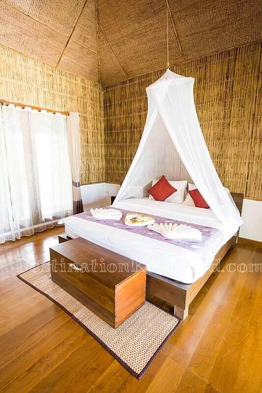 Beach Front Villa - Tinkerbell Resort