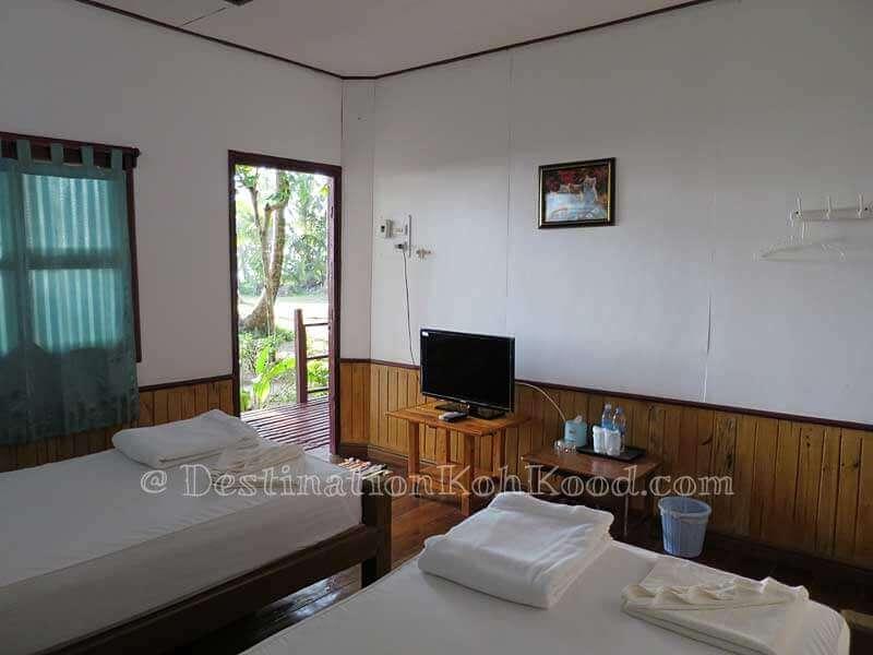 Room A with Twin Beds - Koh Kood Cabana