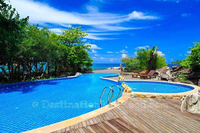 Swimming pool - Captain Hook Resort