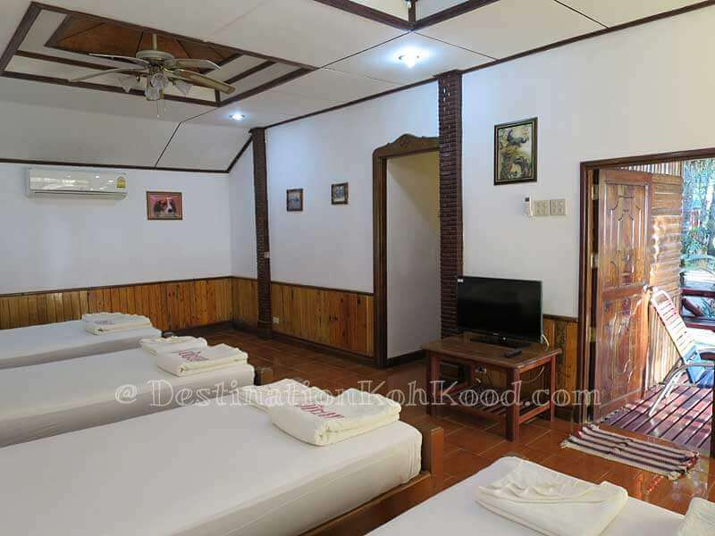 Room A for 4 Persons - Koh Kood Cabana
