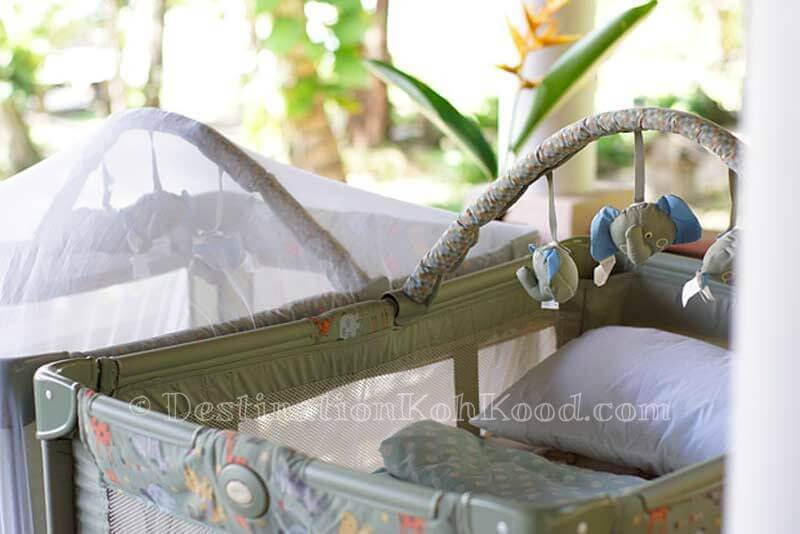 Baby bed with mosquito net - The Beach Natural Resort