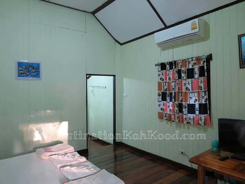Room C with Double Bed - Koh Kood Cabana