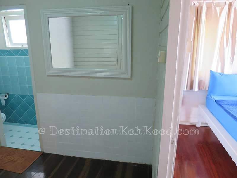 Sea View Room #3 - Montana Hut