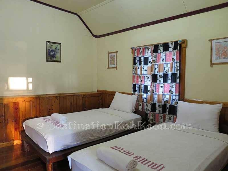 Room C with Twin Beds - Koh Kood Cabana