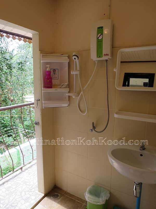 Shared bathrooms of Carnation, Rose & Lotus