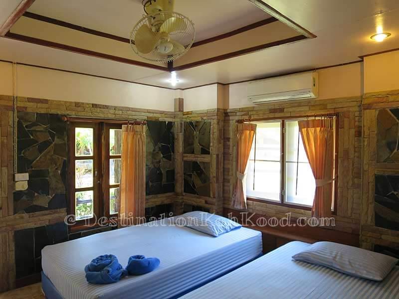 Garden Bungalow (Twin Beds) - Mark House Bungalow